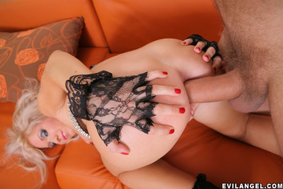 Dazzling Lynn desires to gets drilled in her tense asshole immediately