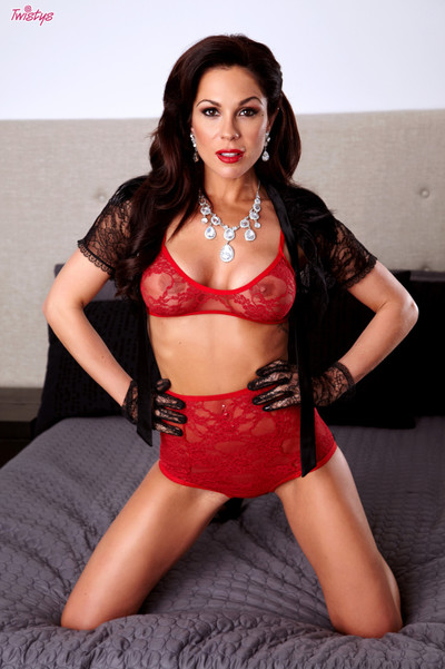 Kirsten price flaunts her gorgeous body on the daybed