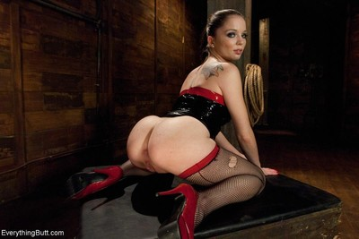 Clothed in unyielding latex jessi palmer gets her ass punished and dug by cherry t