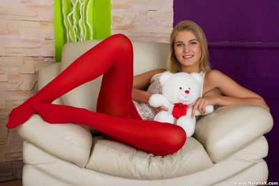 Amateur in red nylons