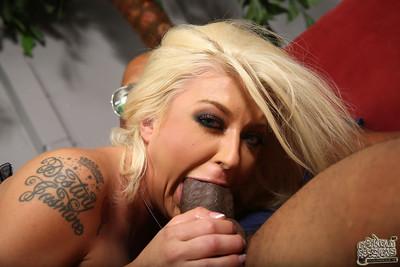 Leya falcon enjoys anal sex in stomach of her sick boyfriend