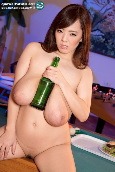 Drunk eastern pornstar hitomi tanaka with immense scoops jerking off