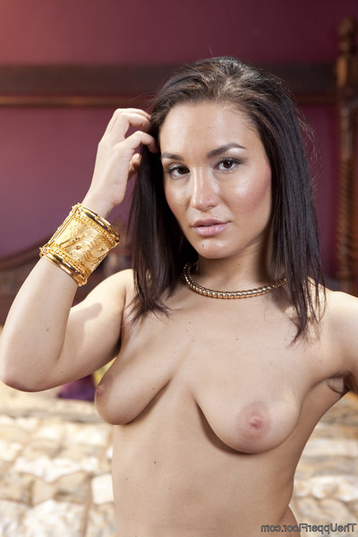 When quarters servant mia li breaks the rules, the ruler of the quarters takes gabriell