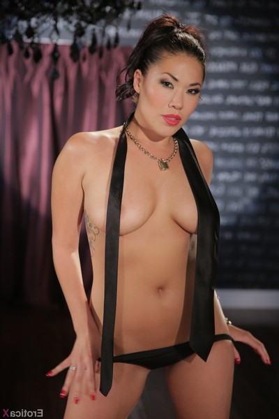 London keyes drills a enormous cock