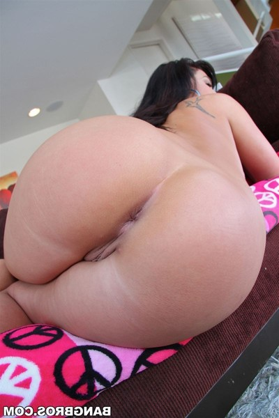 London keyes gains anal toys and 10-Pounder pushed in her waste