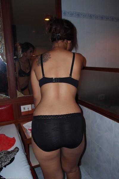 Biggest ass bangkok hooker dug no cock-sock bareback for bank note oriental prostitute