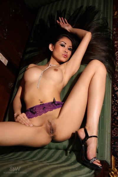 Fabulous rounded non-traditional model with feel like legs