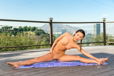 Limber oriental adolescent alina li stripped yoga
