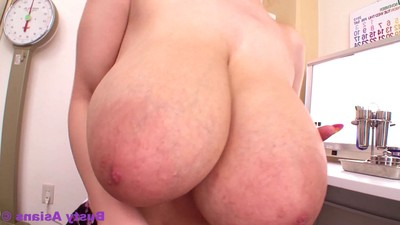 Huge breasted hitomi tanaka wanking with need nails