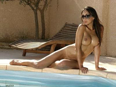 Boobsy princess sunbathing in the undressed