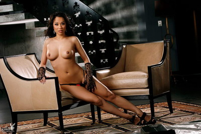 Mind blasting bod oriental lass takes her clothes off without clothes