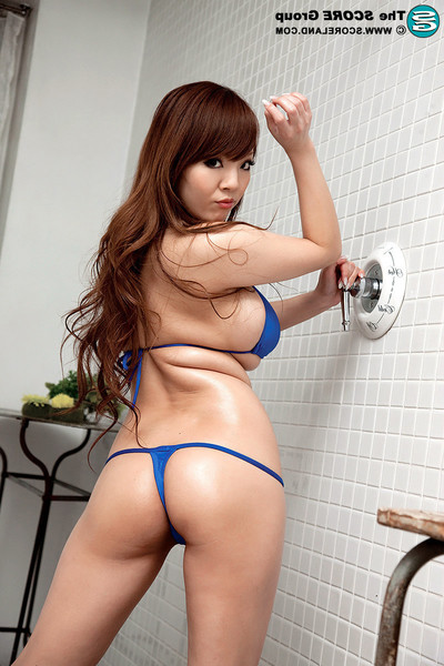 Drunk japan hottie hitomi tanaka with jcup melons jerking off in ba