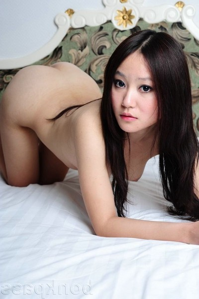 China darling pleasing in nature