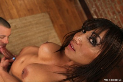 Ts yasmin lee seduces and digs dude sub with large semen