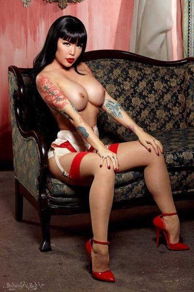 Breasty kinky budoir beauty