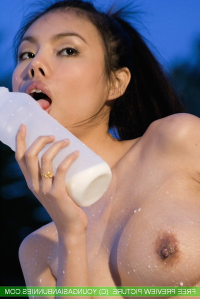 Amateur Chinese bunnie mekumi milk