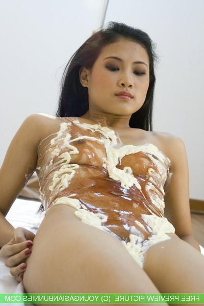 Adolescent Chinese bunnie min  stripped