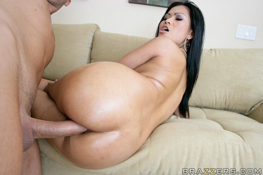 Chinese hottie with a taut a-hole Priva has smoking with a vast severe dong