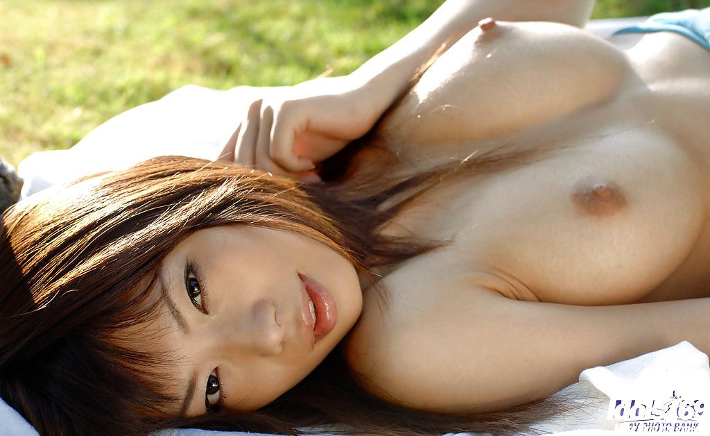 Eastern coed Hikari Hino revealing her perfect bosoms and unshaved twat outdoor