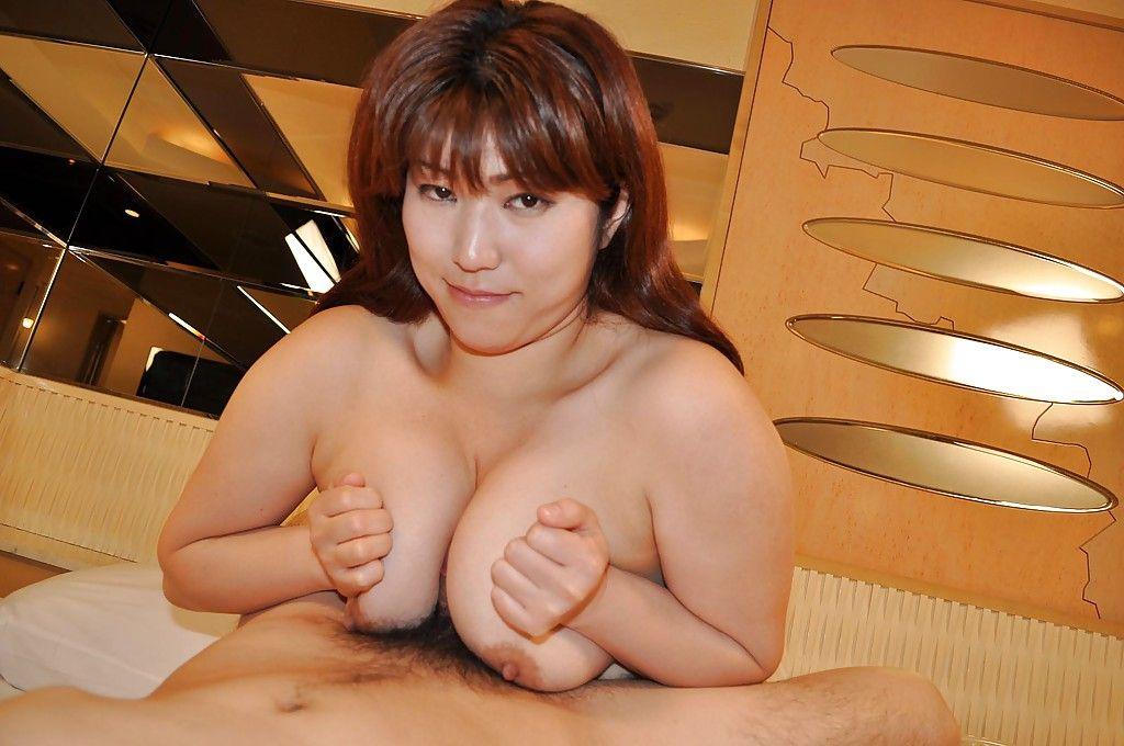 Juggy Japanese MILF Kumi Shibahara gives a titjob and benefits from her bushy cum-hole nailed