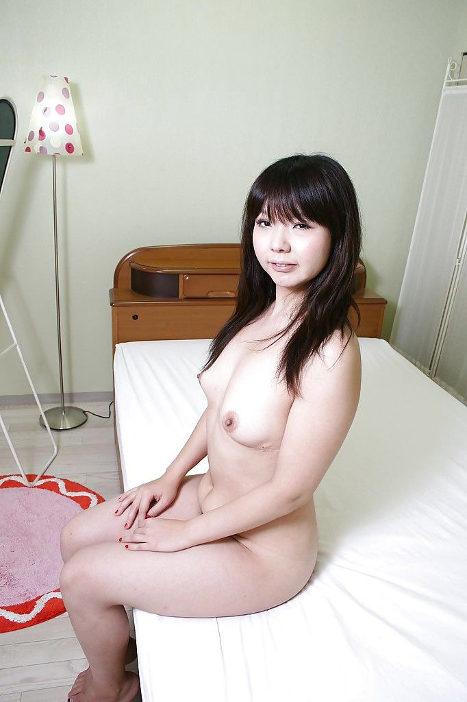 Smiley Japanese lass Kaoru Kuriyama exposing her shaggy gash in close up