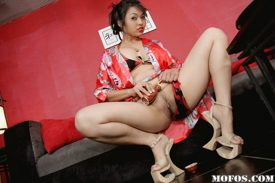 Uncommon asian MILF Mika Tan unhurriedly uncovering her pleasant bows