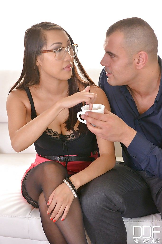 Nerdy Asian marvelous Sharon Lee deviate creampie from white man
