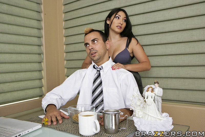 Hory Chinese courtesan Roxy Jezel benefits from bonked and takes a jizz flow on her tongue