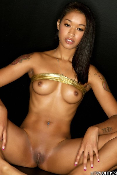 Skin diamond stunning angel in gold
