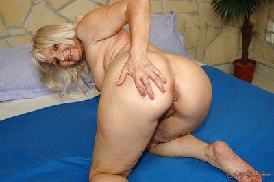 Chunky titted granny shows will not hear of irritant upskirt with the addition of will not hear of soaking cunt