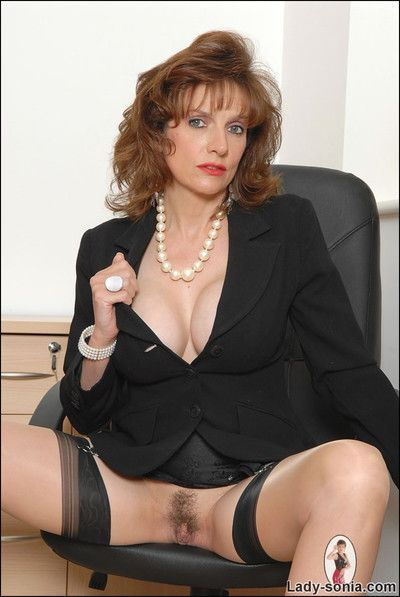 Assignment VIP murk milf lass sonia in the air nylons