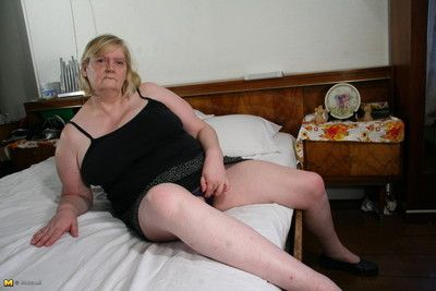 Chubby mom exhibitionism will not hear of scurrilous things