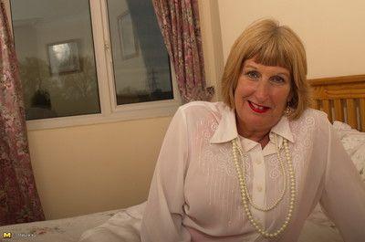 Beamy british adult descendant obtaining unpropitious