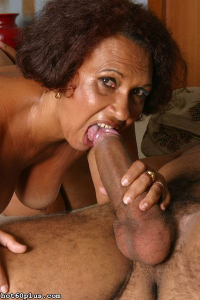 Full-grown latina granny gets fucked
