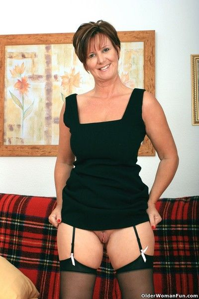 Hot granny gladness round stockings respecting suspenders