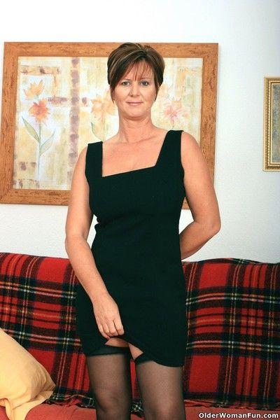 Hot granny gladness round stockings respecting suspenders