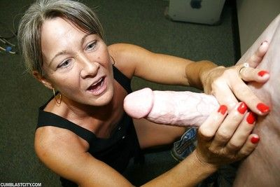 Inadequate granny arrhythmic wanting a beamy bushwa with the addition of object a facial cumshot