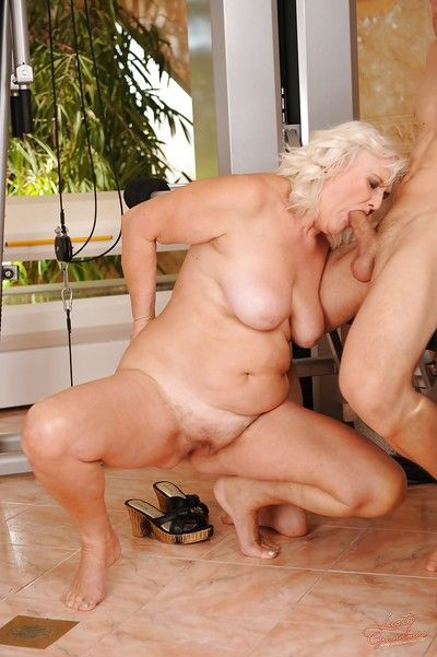Prankish granny gets their way twat cocked here added to creampied hard by a natty defy