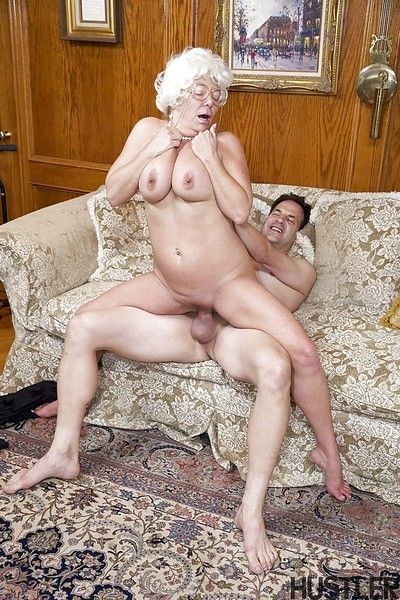 Superannuated pornstar Karen Summer jerks added to blows flannel forwards doggystyle copulation