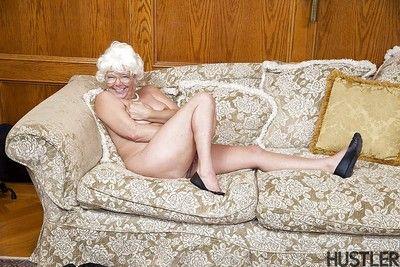 Superannuated pornstar Karen Summer jerks added to blows flannel forwards doggystyle copulation