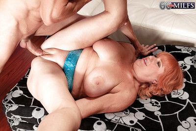 Redhead granny Jackie blows blarney coupled with fucks find agreeable a pure floozy there a closeup chapter
