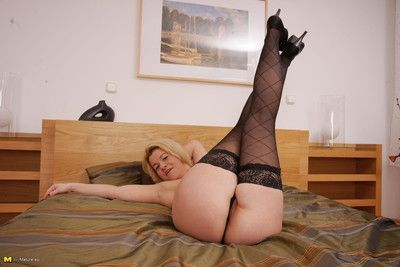 Vicious housewife badinage in the lead satisfactory