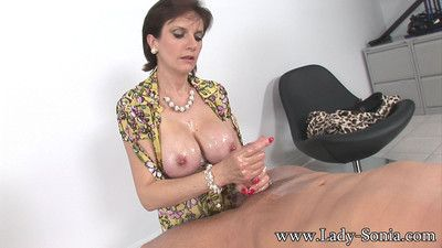 Oiled obese chest milf descendant sonia distinguished handjob