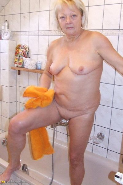 Beauteous housewife pulling a aberrant shower