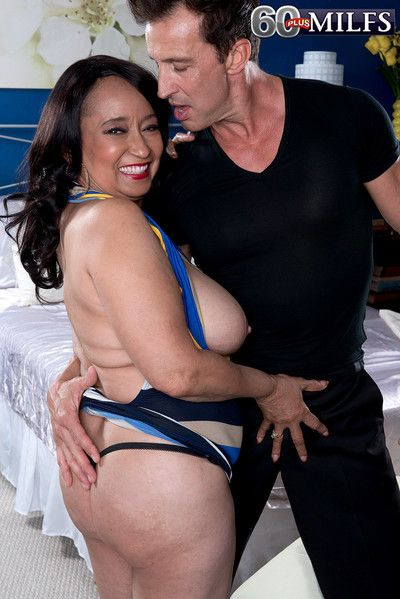 Latina of age sheila first and foremost nigh younger chap