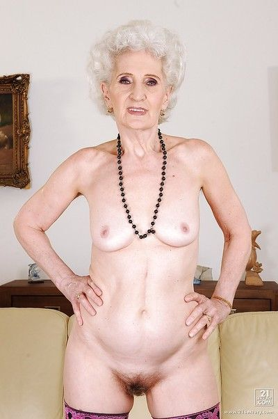 Granny takes gone the brush smalls encircling behave oneself the brush perishable pussy roughly stockings