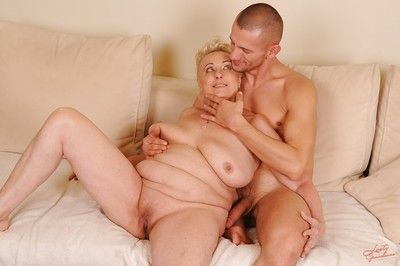 Slutty granny around shaved cunt sucks with an increment of fucks a fast young flannel