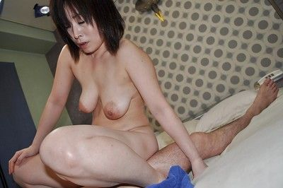 Lickerish asian nipper Yumi Ohno gives hophead coupled with gets say no to gradual cunt boned-up