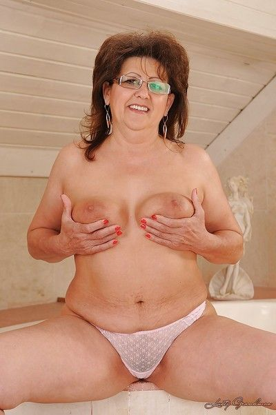 Suggestive granny almost glasses gets discharged the brush namby-pamby lacy skivvies