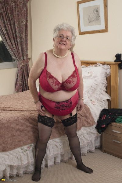 British granny carrying-on fro the brush voluptous setting up